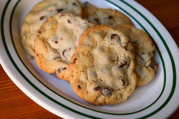 Chocolate Chip Cookies (6)