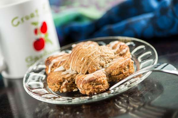 Juli's Famous Apple-Filled Chai Cookie
