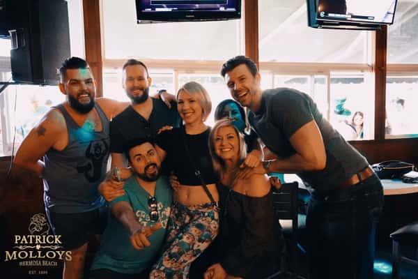 friends at bar