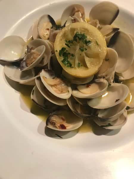 Little Neck Clams White Wine, Olive Oil & Garlic