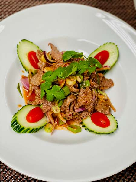 S4. Beef Salad (Yum Nuer)