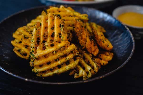 curry aioli fries