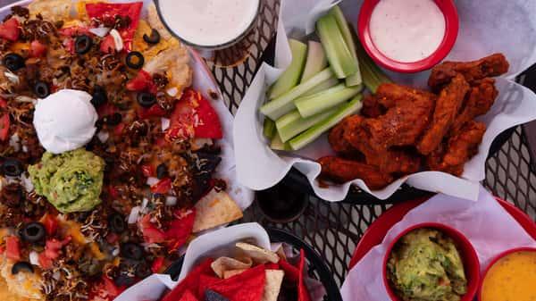 nachos wings