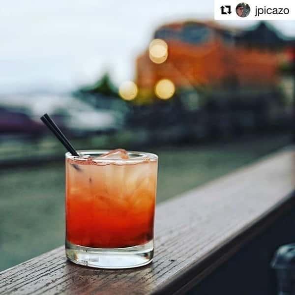 Cocktail W/Train