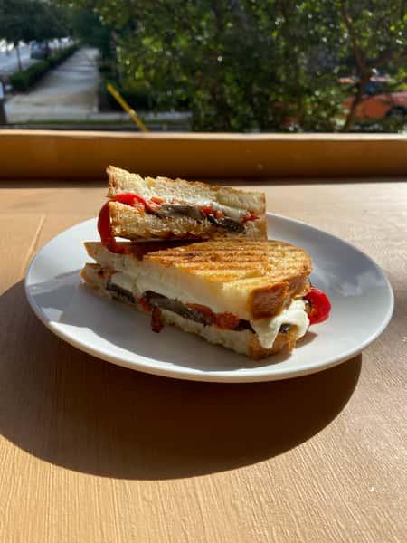 Bella Donna Sandwich