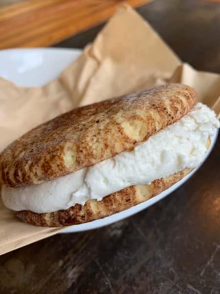 Snickerdoodle Gelato Sandwich