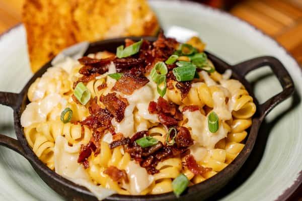 bacon mac n cheese