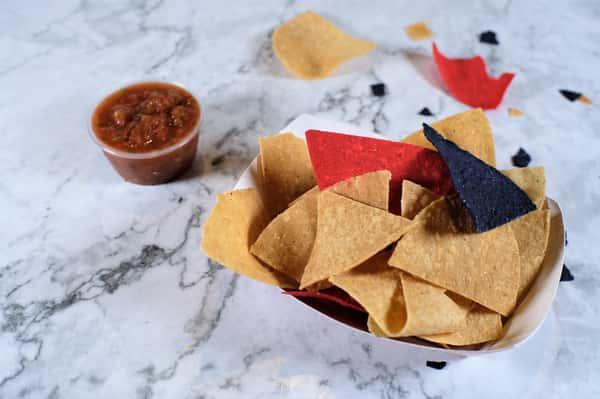 Snack Chips & Salsa