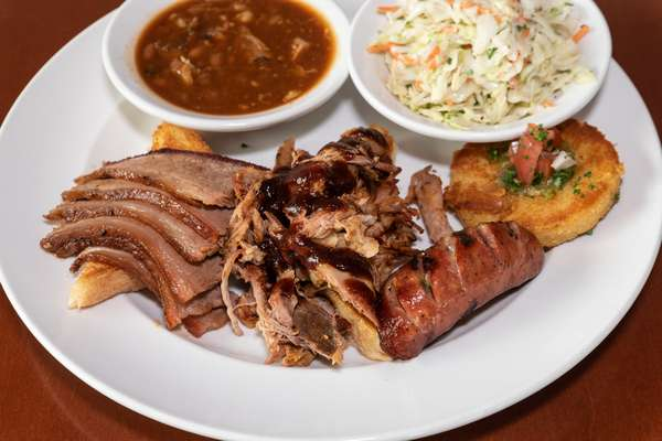 Charlie's BBQ Plate