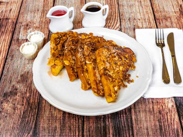 PancakeHouse_CinnamonAlmondFrenchToast