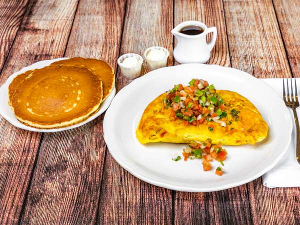 PancakeHouse_MexicanOmlettewithPancakes