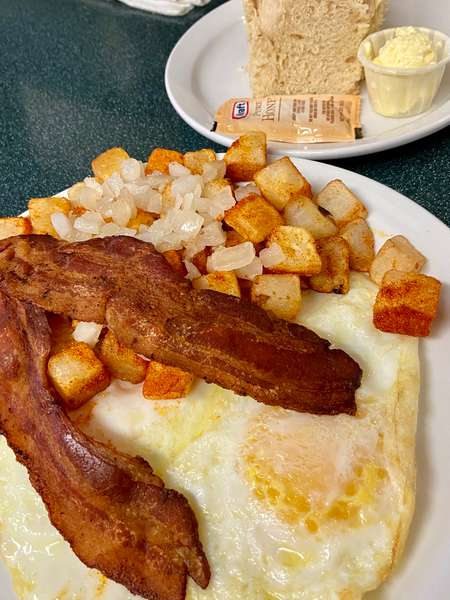 Sr 2 Bacon, 2 Eggs