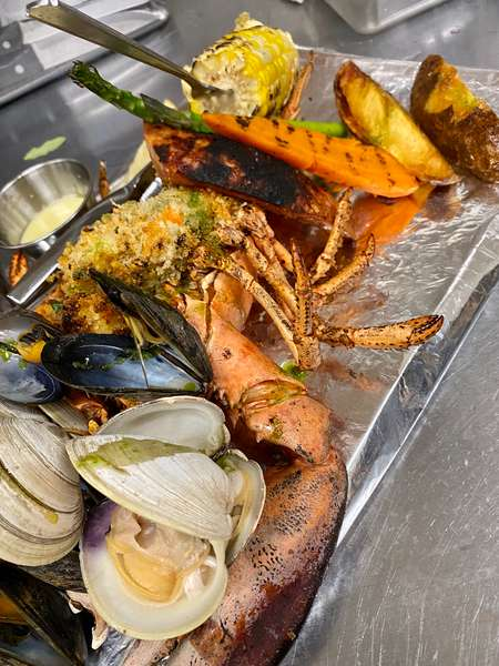 Knots Famous Lobster Clambake