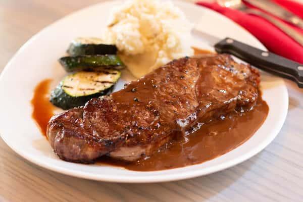 Steak Au Poivre*