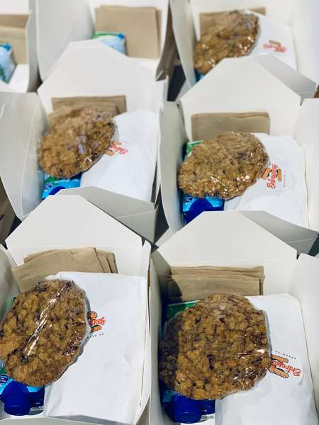 boxed meals with cookie to go