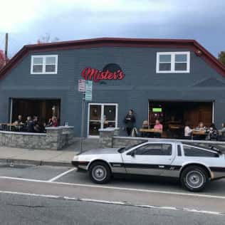 Exterior of Mister's Bar and Lanes