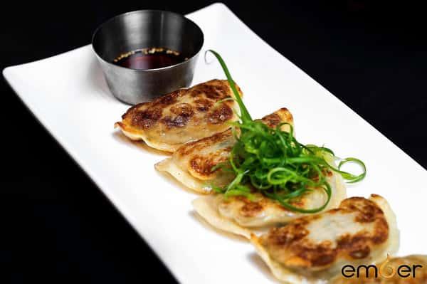 Mandu (dumplings)