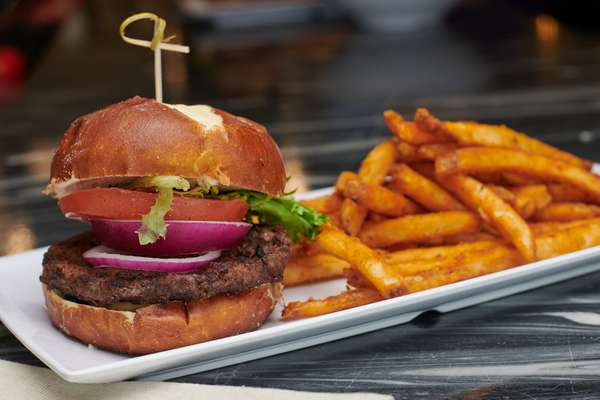 Mike's Old Fashioned Burger *