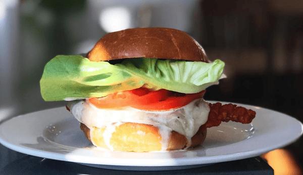 "alt=""sandwich"""