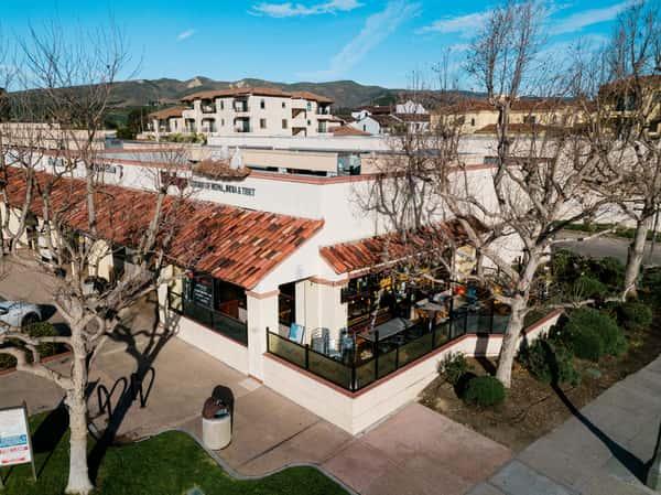 exterior of Ventura location