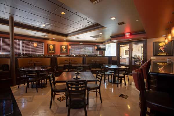Vicinos Lounge Area