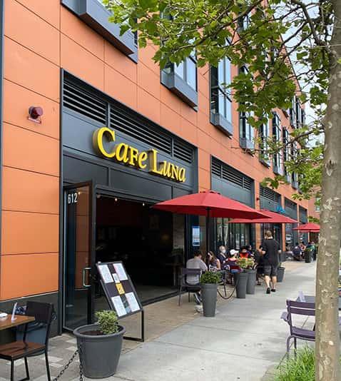 Store front of Cafe Luna
