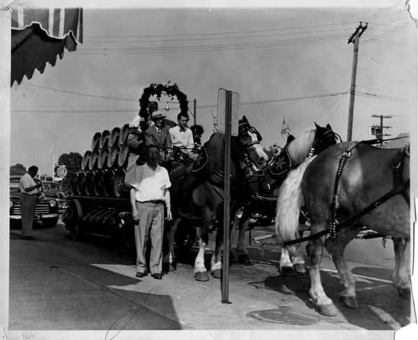Gunselman-s---parade-summer-1952 (1)