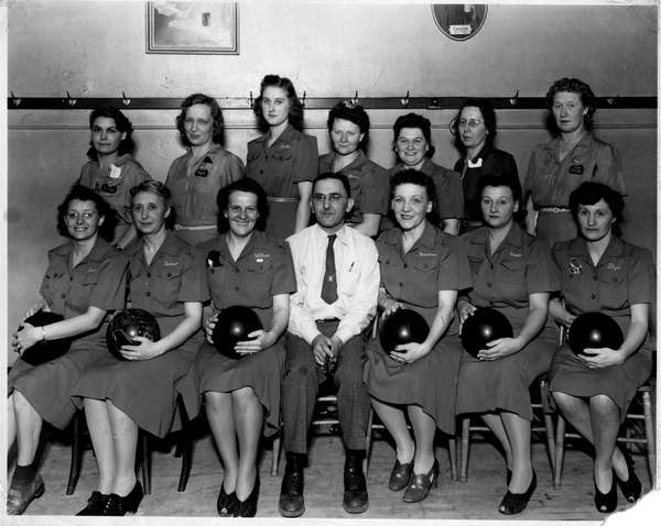Gunselman-s-bowling-team (1)
