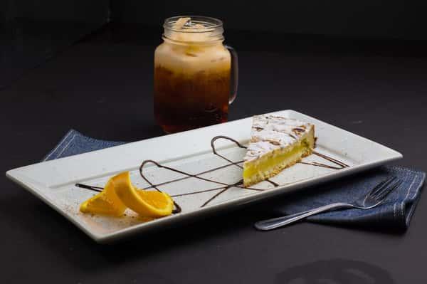 GRANDMOTHER LEMON CAKE