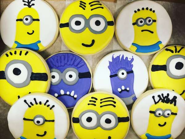 Minions decorated sugar cookies
