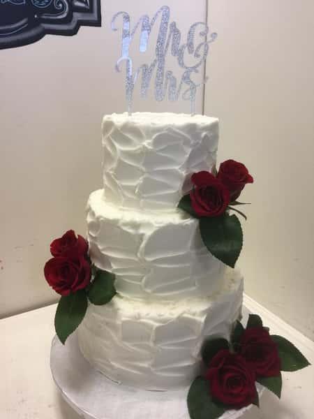 rough iced wedding cake