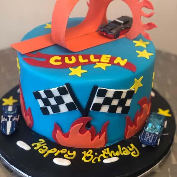 Kids cars cake
