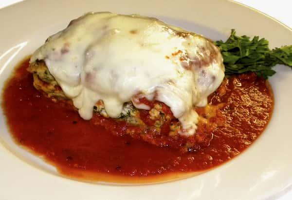 Homemade Lasagna (by the Pan)