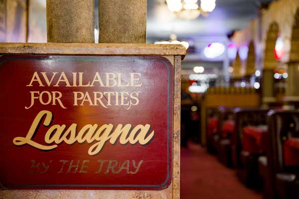 interior sign - lasagna trays available