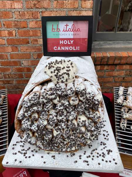giant cannoli