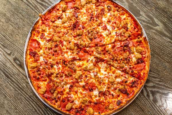 meat lovers pizza_005