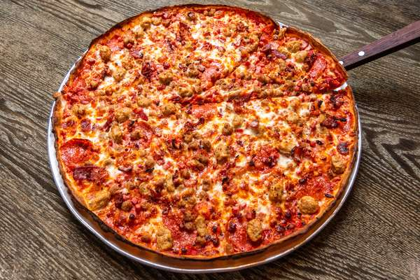 meat lovers pizza_001