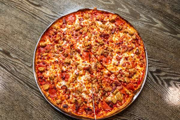 meat lovers pizza_004