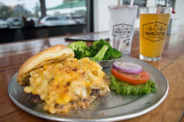 Mac-N-Cheese Burger