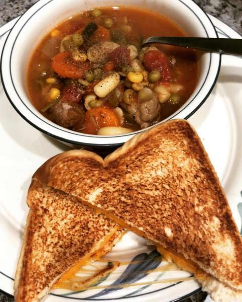 Vegetable beef soup & grilled cheese