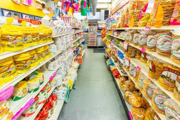 La Reyna Market supermarket aisle