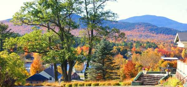 pine-cone-cottage-fall-view-690 (1)