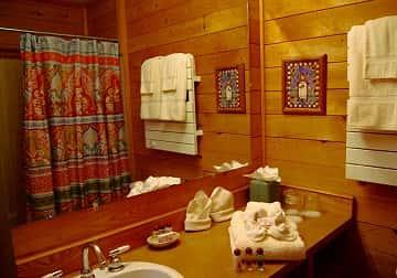 carriage-house-bathroom