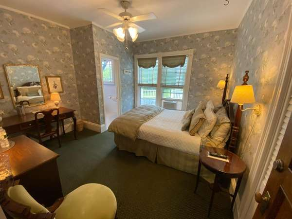 room-22b-690