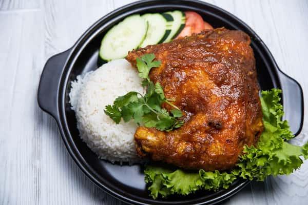 House Fried Chicken Fish Sauce / Cơm Gà Chiên Nước Mắm