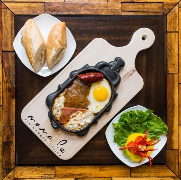 Sizzling Steak With Baguette / Bò Ne