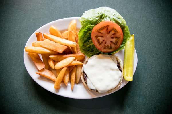 Buddy's cheeseburger