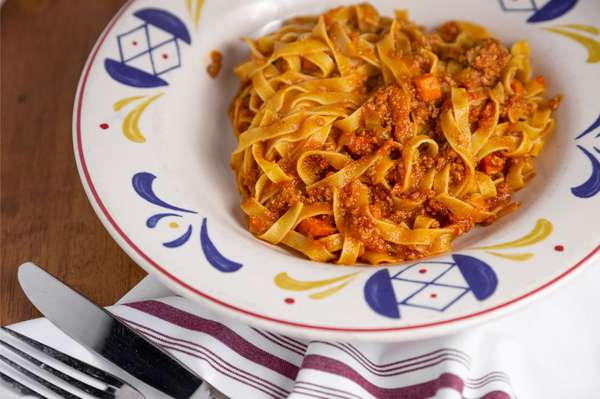 Bolognese (Traditional Hearty Meat Sauce)