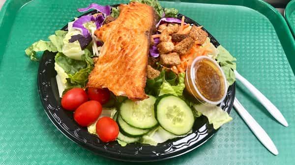 Broiled Salmon Salad