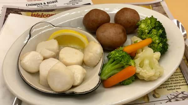 Light & Healthy Fresh Scallop Casserole